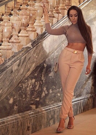 Charlotte Luck Missguided Dusty Pink crop top taupe mocha Blush Valentina Heel